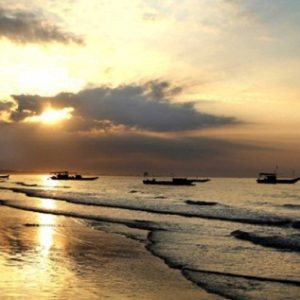 the-most-beautiful-beaches-in-vietnam-1159167-20130710140941-tra-co-beach6
